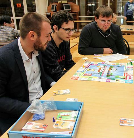 Алексей Логинов провел фестиваль настольных игр для школьников и студентов Волгограда