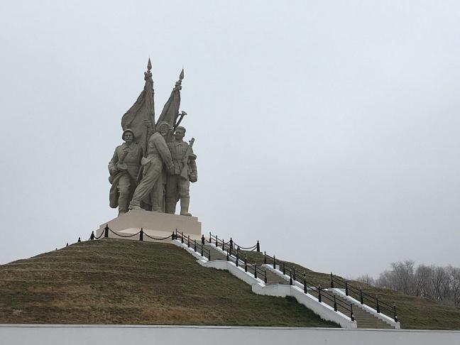 Коммунисты Волгограда и Калача-на-Дону отметили годовщину контрнаступления советских войск под Сталинградом
