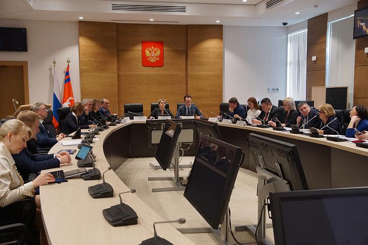 Регион готовится к открытию новых медучреждений и проведению всеобщей диспансеризации населения