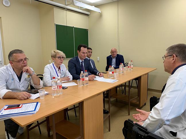 Ректор и проректоры ВолгГМУ встретились с сотрудниками кафедр на базе ГКБСМП № 25