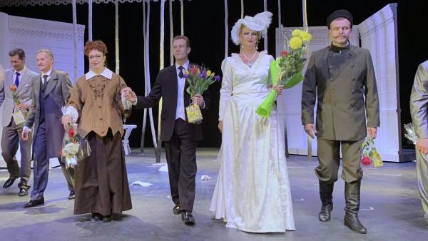 Театры Волгоградской области обновляют репертуар
