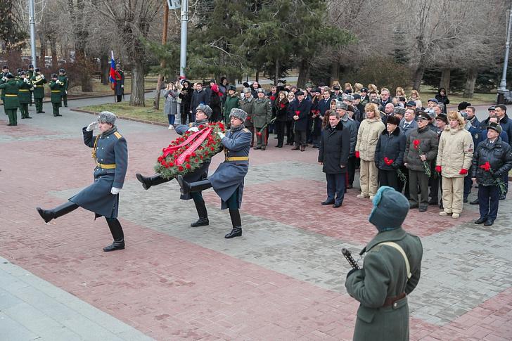 В Волгограде почтили память защитников Отечества