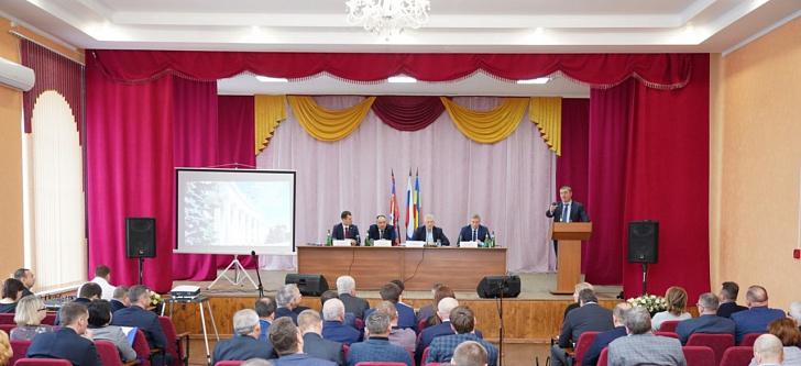 Депутаты на заседании в Серафимовичском районе обсудили вопросы экологии и лесоразведения