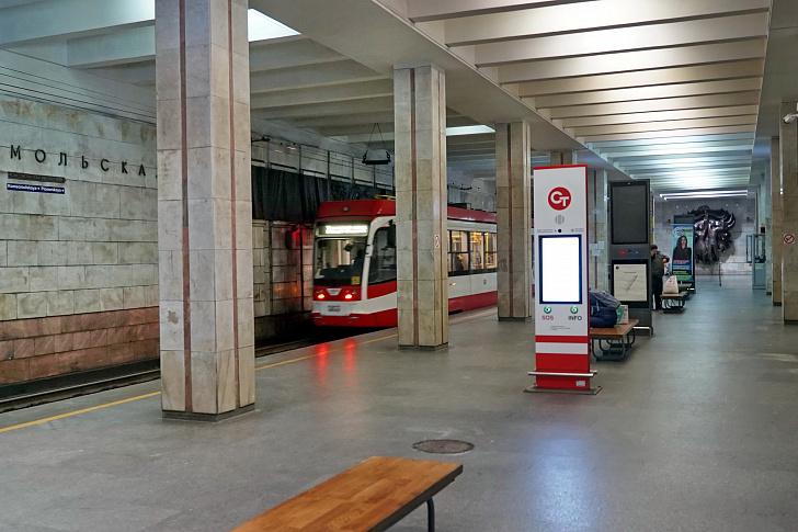 Облдума предлагает запретить курение на станциях скоростного трамвая
