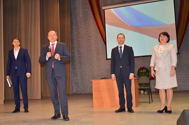 Юрий Мапамыгин обсудил со студентами Послание Президента