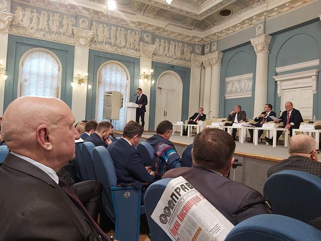 Депутат-коммунист Волгоградской облдумы принял участие в московском форуме