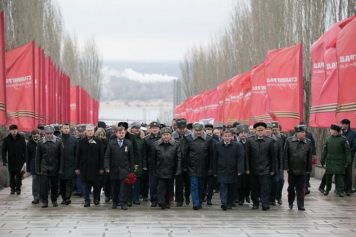 На Мамаевом кургане почтили память защитников Сталинграда