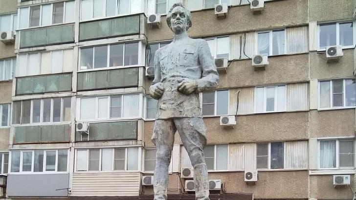 Сталинградские депутаты-коммунисты дали «вторую жизнь» памятнику Куйбышева