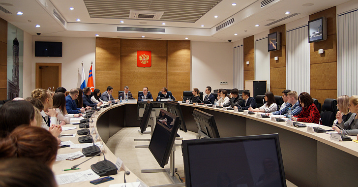 В Молодежном парламенте региона определились со структурой