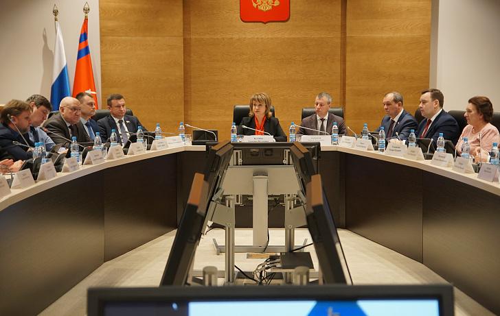 В Волгоградской областной Думе обсудили вопросы сохранения наследия Великой Победы