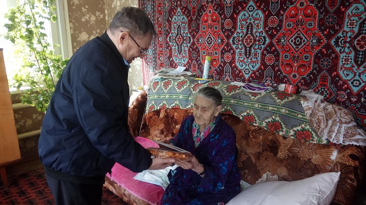 Депутат Волгоградской облдумы Владимир Иванов поздравил женщин с 8 Марта