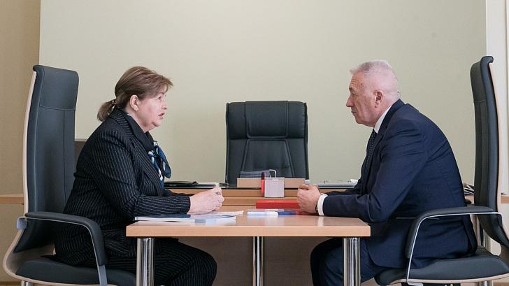 Спикер регионального парламента провел рабочую встречу с Уполномоченным по правам ребенка в Волгоградской области