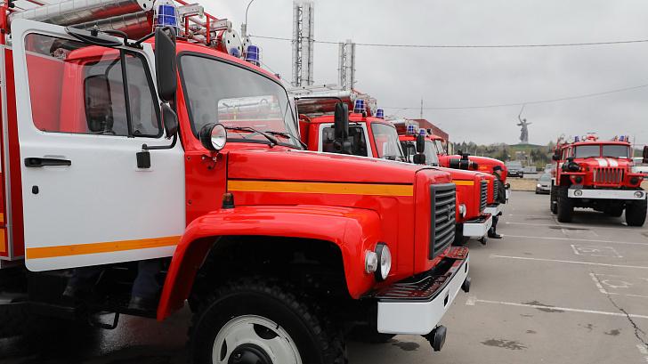 Сельские районы Волгоградской области получили новые пожарные машины