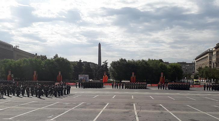 На главной площади города-героя состоялся военный парад в честь Великой Победы