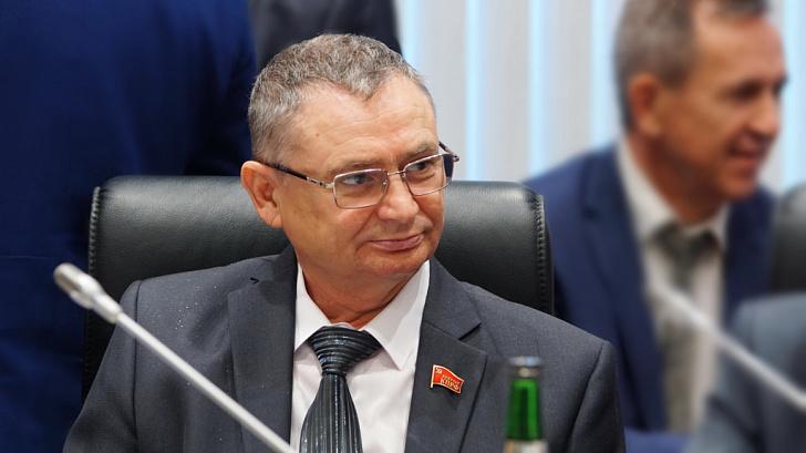 Депутат-коммунист Волгоградской областной Думы Владимир Иванов оказал помощь семье инвалидов