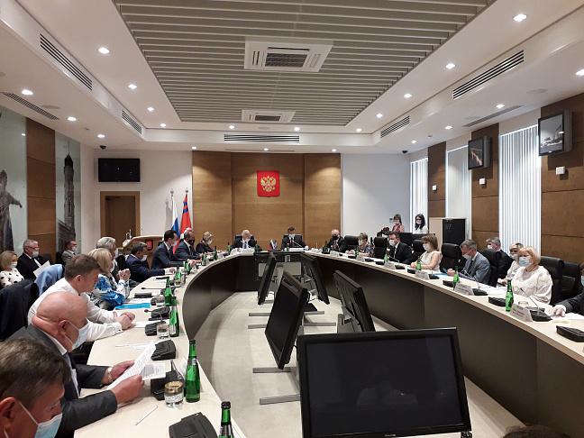 Депутаты фракции «Единая Россия» обсудили федеральный законопроект о дистанционной работе