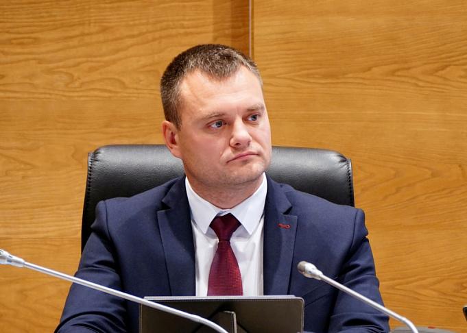 Евгений Кареликов: Партия пенсионеров предлагает как можно скорее приступить к реализации комплекса социальных гарантий, предусмотренных поправками в Конституцию РФ