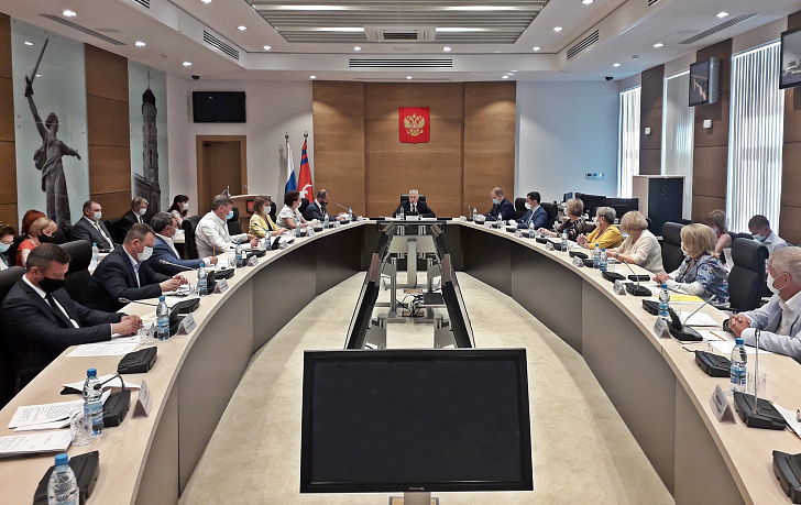 Совет областной Думы рассмотрел результаты опроса о переводе времени