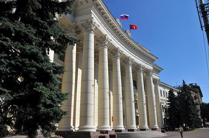 В первый парламентский год Волгоградская областная Дума VI созыва приняла 142 закона