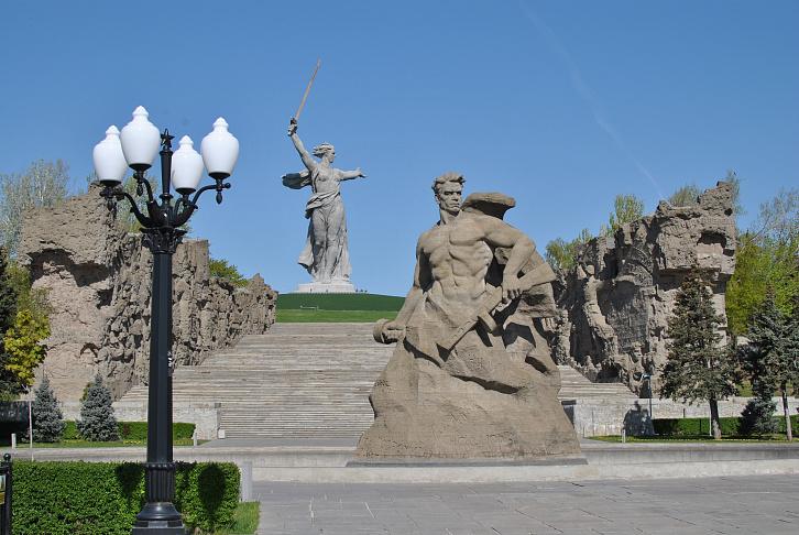 Волгоградские парламентарии единодушно осуждают оскорбительные высказывания о главном символе Сталинградской Победы