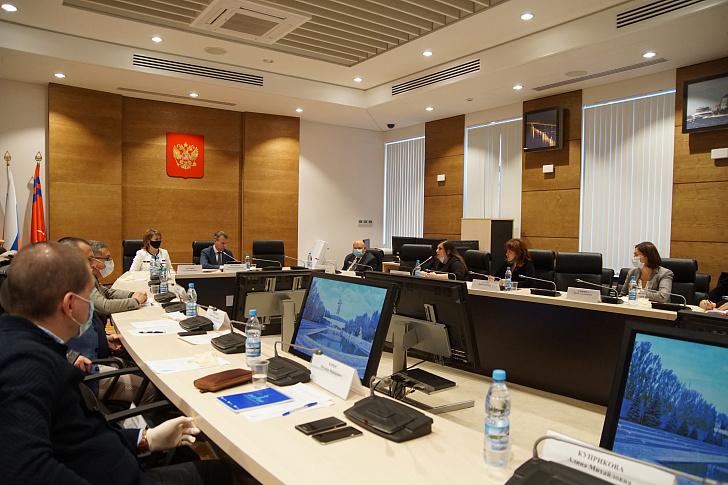 Законодатели обсудили перспективы развития частного образования в регионе